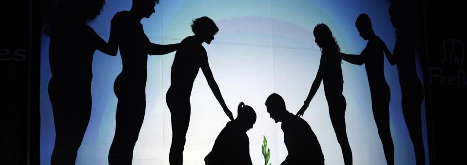 Объединить театр и экологию