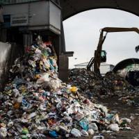 Экологический оператор предупредил о риске захлебнуться в свалках